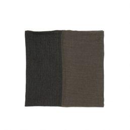 Мъжки шал в тъмно кафяво с вълна