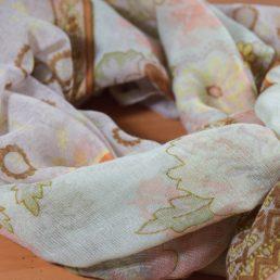 оранжев дамски шал