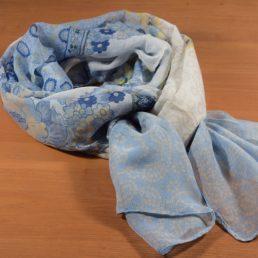 Син дамски шал