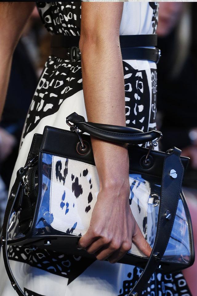8 водещи тенденции при дамските чанти през 2018