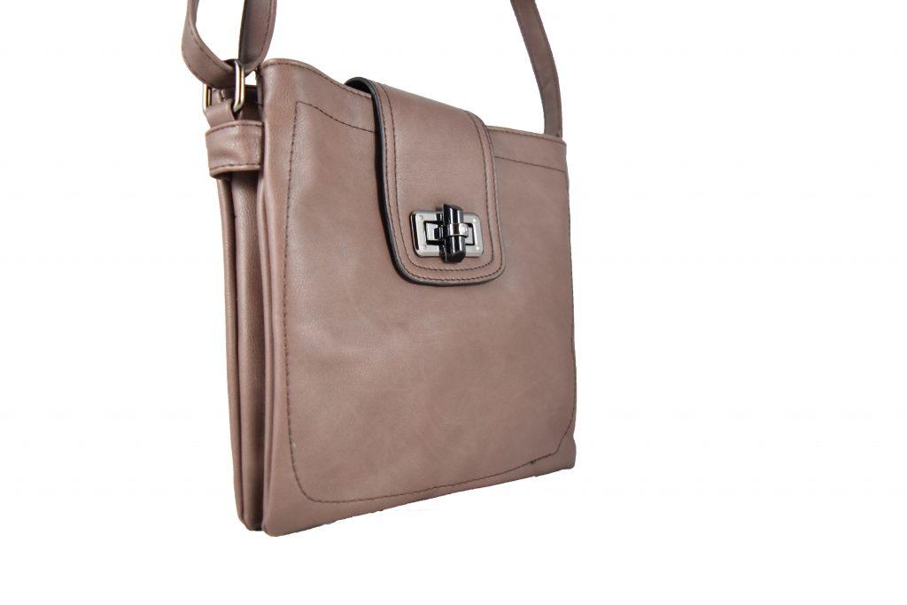 Дамска чанта с дълга дръжка за през рамо